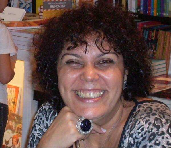 Meu nome é Sonia Rosa, nasci e moro na cidade do Rio de Janeiro. Sou professora, contadora de histórias, orientadora educacional e escritora. - 304_max